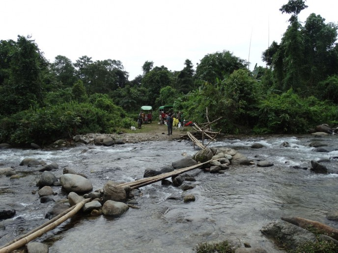 Leaving the Putt Putts behind, the trek to Pongan Razi begins.