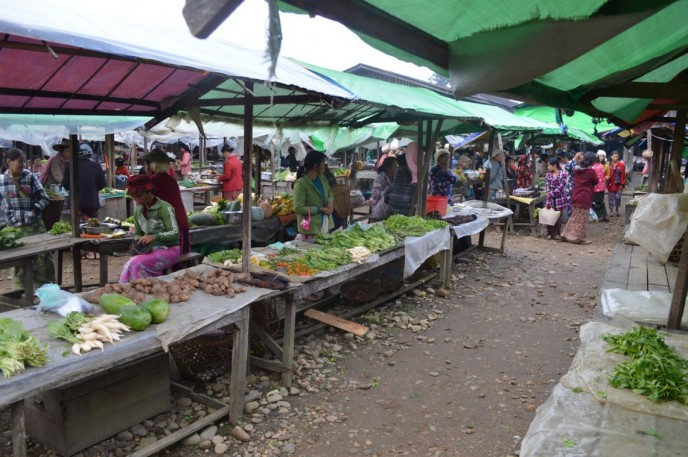 Market Day in Putao.